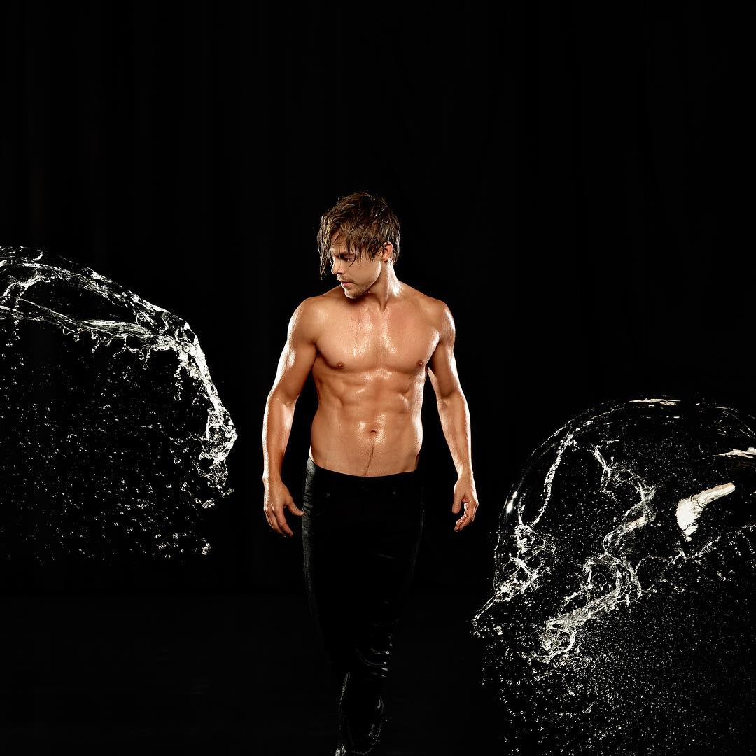 Derek Hough Photos