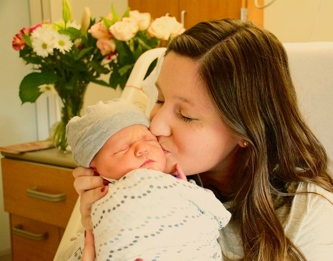 Tori roloff posts new photo with baby son this is what i for Does zach roloff s baby have dwarfism