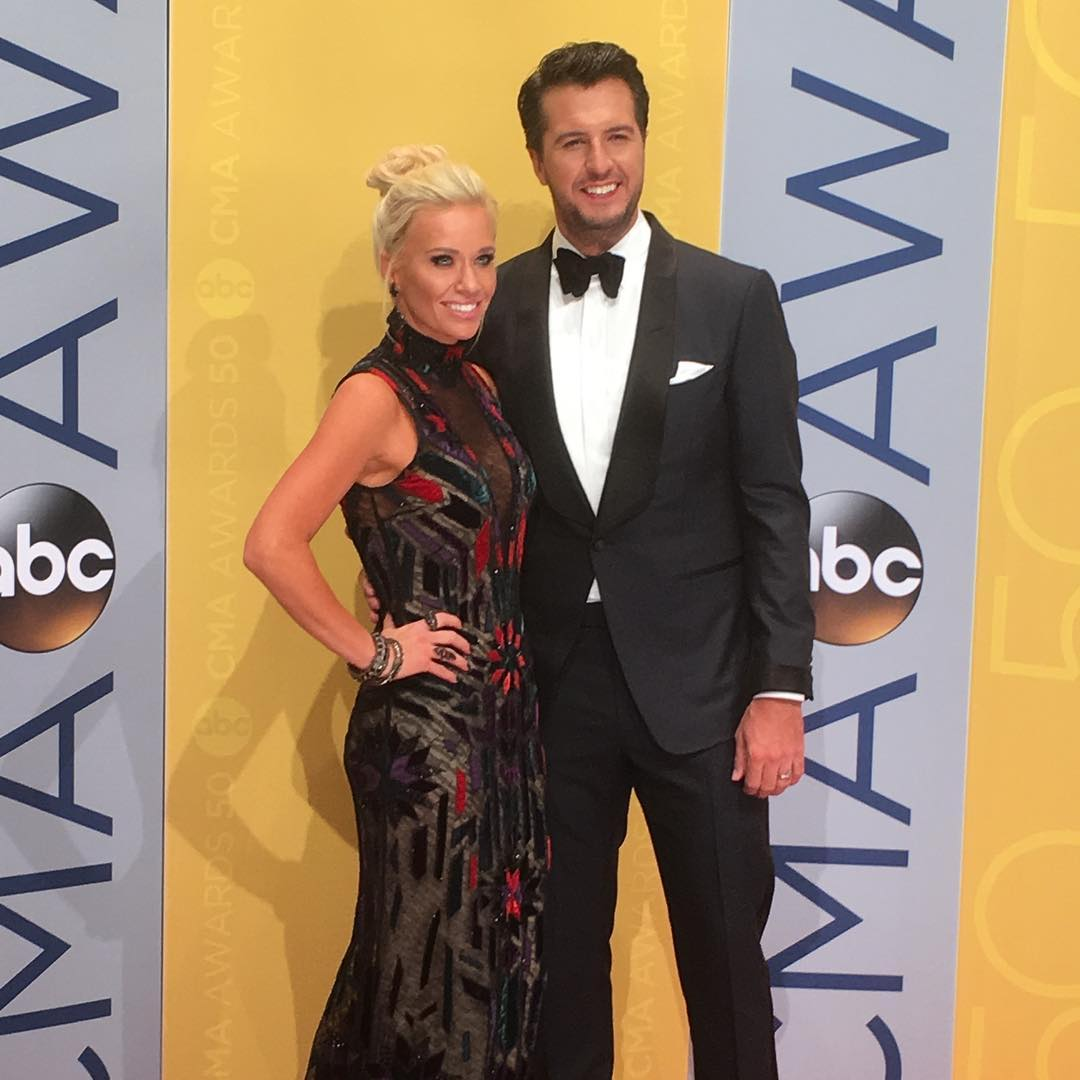 Luke Bryan Gives His Wife 2 Baby Kangaroos For Christmas