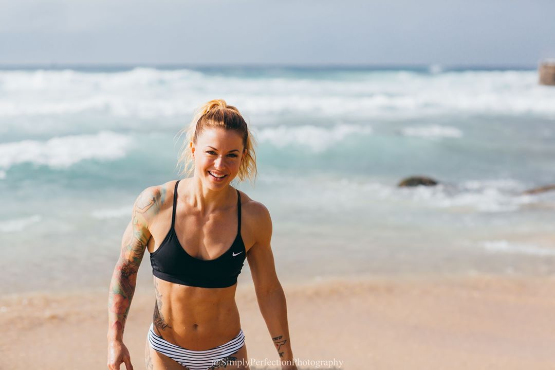 Big Brother Christmas Abbott.Big Brother Global Christmas Abbott 8 Things To Know