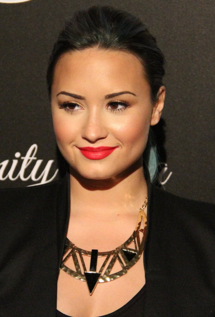 dating demi lovato Demi lovato gets a surprise kiss on new year's eve by her backup dancer -- video hollywood life logo no matter who demi may or may not be dating.