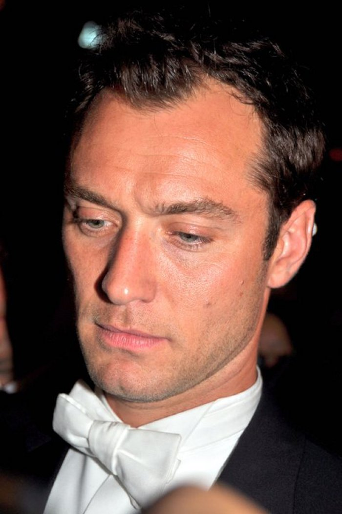 Jude Law's 'The Young Pope' premiere date set by HBO - Reality TV ... Jude Law