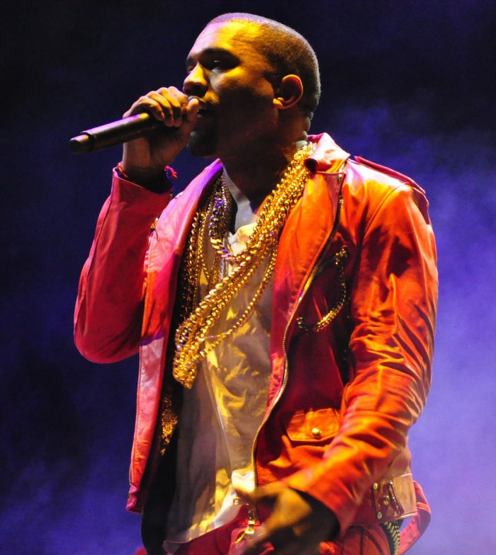 Kanye West booed in Los Angeles after ending concert early - Reality ... Kanye West