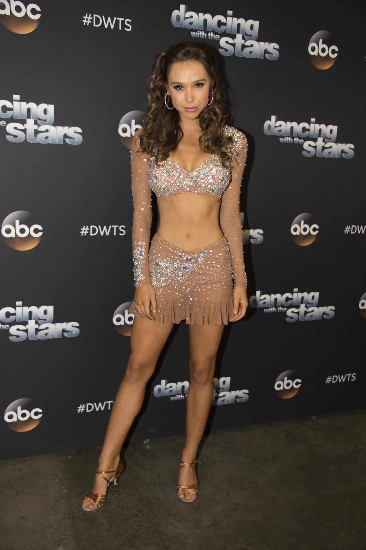 Alexis Ren Sexy Dancing